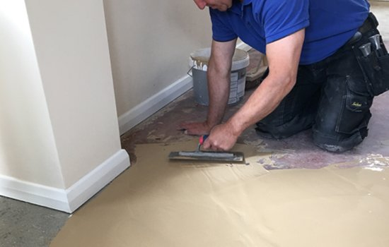All sub floor preparation and advice can be undertaken be it wood or concrete. We have extensive experience in latex screeding, plyboarding and hardboarding.